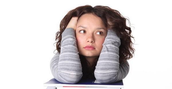 Девушка не может найти работу и думает, кто виноват и что делать.